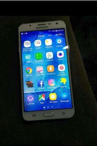 Vendo Samsung J7 Dúos Tiene Un Detalle