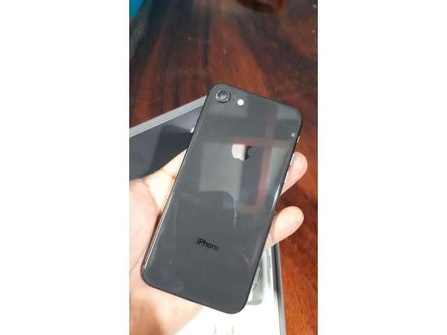 iPhone 8 de 64 Solo Efectivo