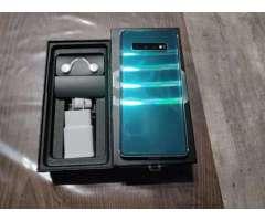 Samsung galaxy S10 plus está nuevo con su caja y accesorios