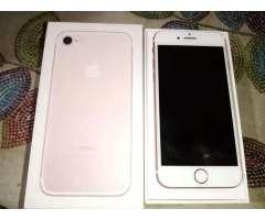 Vendo iPhone 7 con 6 Estuches , Cargador